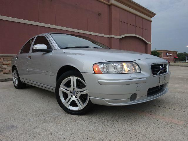 2009 VOLVO S60 T5 4DR SEDAN silver all power equipment is functioning properly  nothing about thi