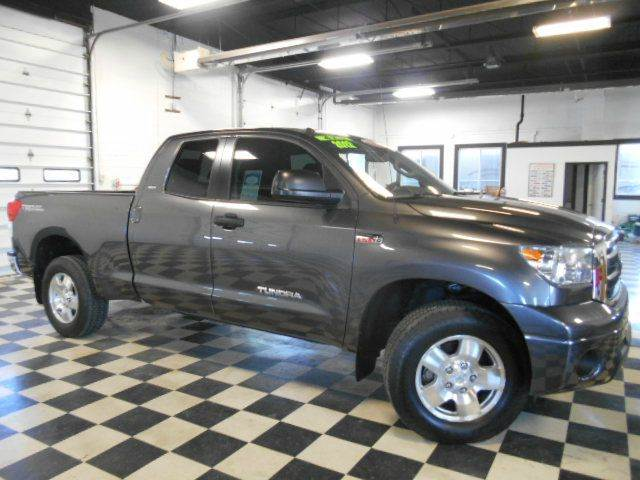 2012 TOYOTA TUNDRA 4X4 4DR DBL CAB PICKUP grey clean carfax  one owner  smoke-free interior
