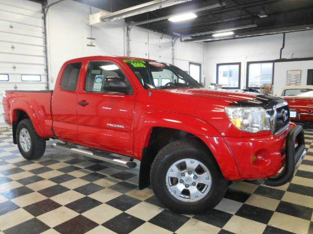 2008 TOYOTA TACOMA V6 4X4 4DR ACCCAB 61 FT red clean carfax  one owner  smoke-free interior