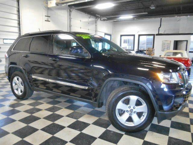 2011 JEEP GRAND CHEROKEE LAREDO 4X4 4DR SUV blue clean carfax  smoke free interior  excellent co