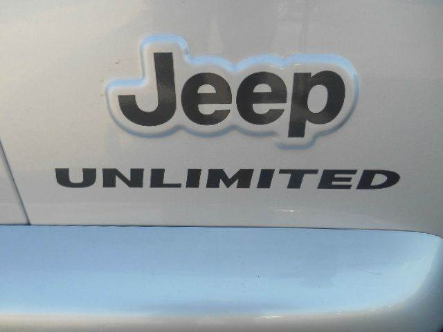 2005 JEEP WRANGLER UNLIMITED 4WD 2DR SUV silver please do not reply via carguruscom  excellent