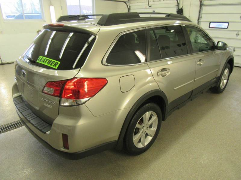 2014 Subaru Outback AWD 2.5i Limited 4dr Wagon - Traverse City MI