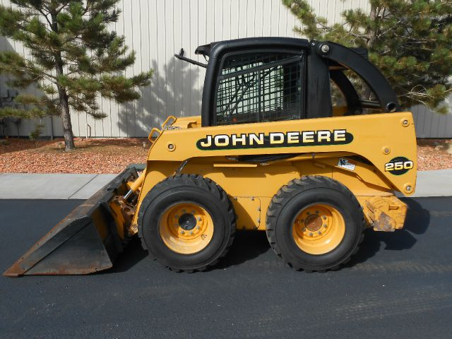 2002 John Deere 250