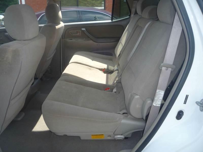 2005 Toyota Sequoia SR5 4dr SUV - Lawrenceville GA
