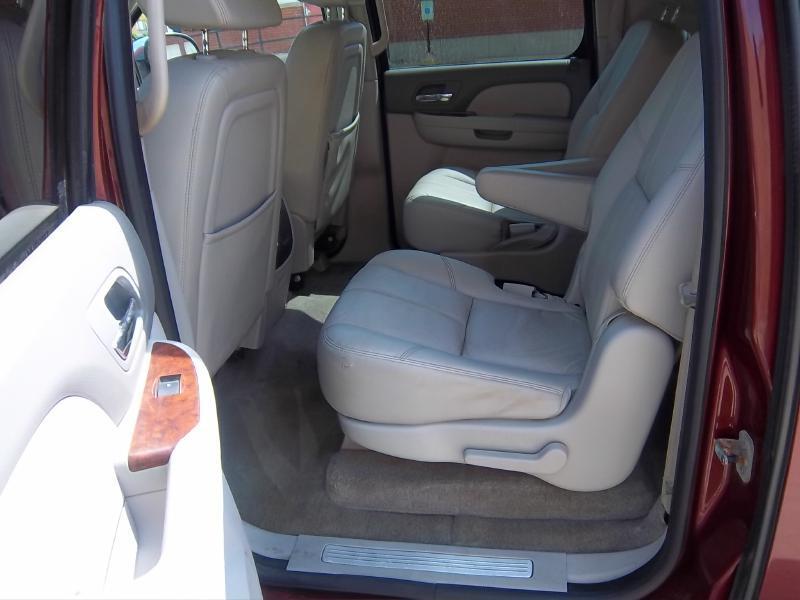 2008 Chevrolet Suburban 4x4 LTZ 1500 4dr SUV - Milwaukee WI