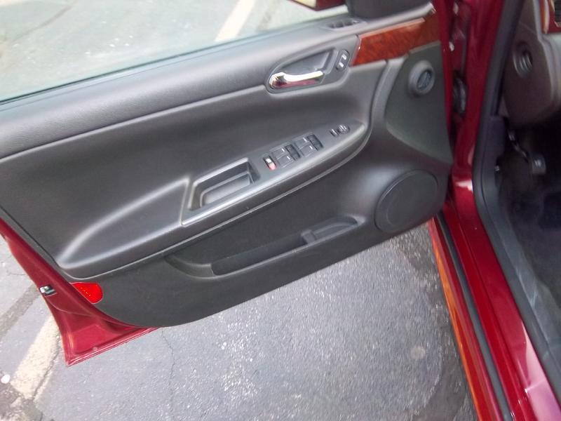 2011 Chevrolet Impala LT Fleet 4dr Sedan w/2FL - Milwaukee WI