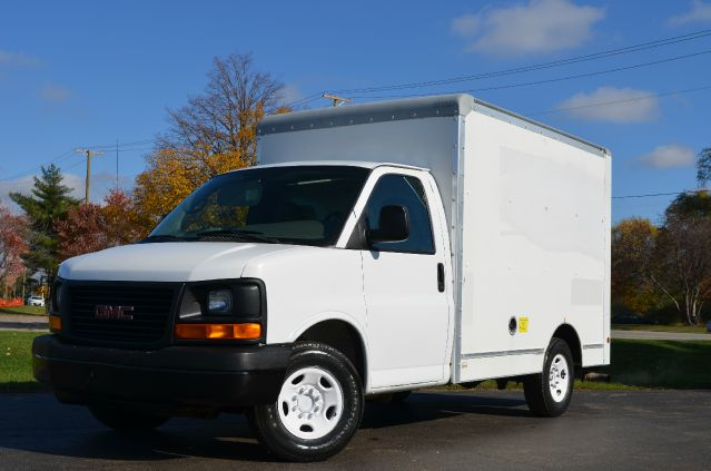 2006 Gmc Savana 10ft Box Truck G3500 10ft Box Truck In