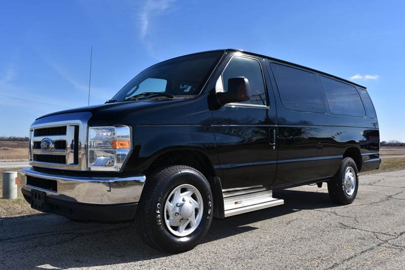 2014 ford e 350 15 passenger van in crystal lake il signature auto group. Black Bedroom Furniture Sets. Home Design Ideas