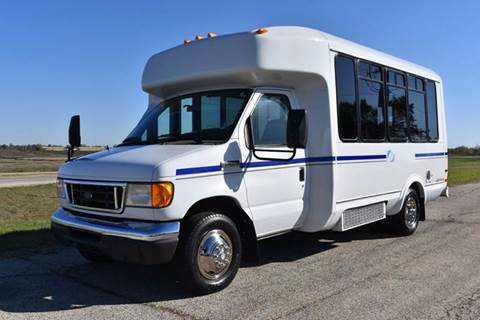 2006 Ford E-350 16 Passenger Shuttle Bus