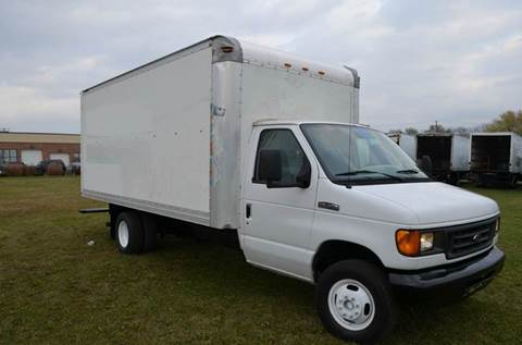 2006 Ford E-350 16ft Box Truck
