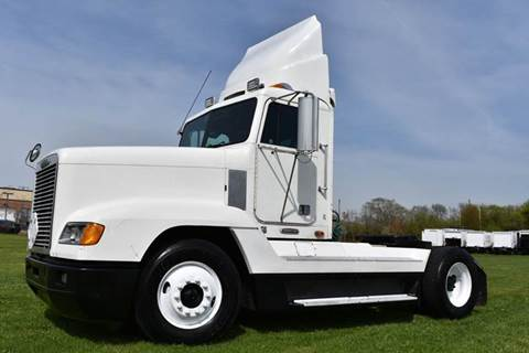 2000 Freightliner FLD120 Day Cab Semi for sale in Crystal Lake, IL