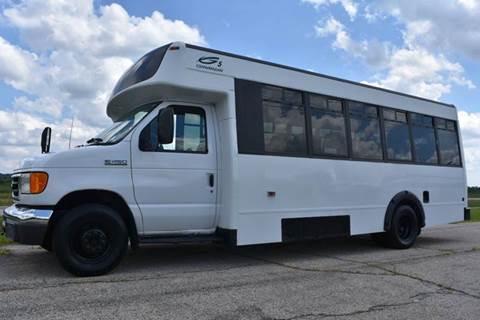 2006 Ford E-450 Shuttle Bus