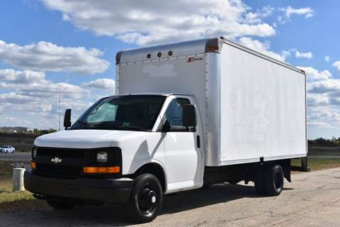 box trucks for sale in crystal lake il. Black Bedroom Furniture Sets. Home Design Ideas