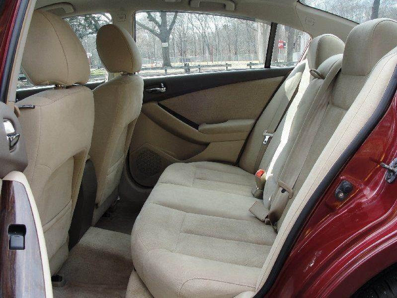 2010 Nissan Altima 2.5 S 4dr Sedan - North Attleboro MA