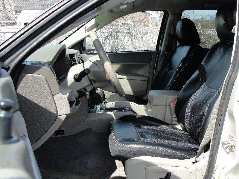 2007 Jeep Grand Cherokee Laredo 4dr SUV 4WD - North Attleboro MA