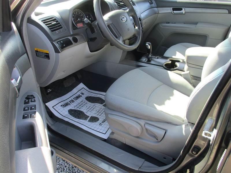 2009 Kia Borrego LX 4dr SUV - Mt Olive NC