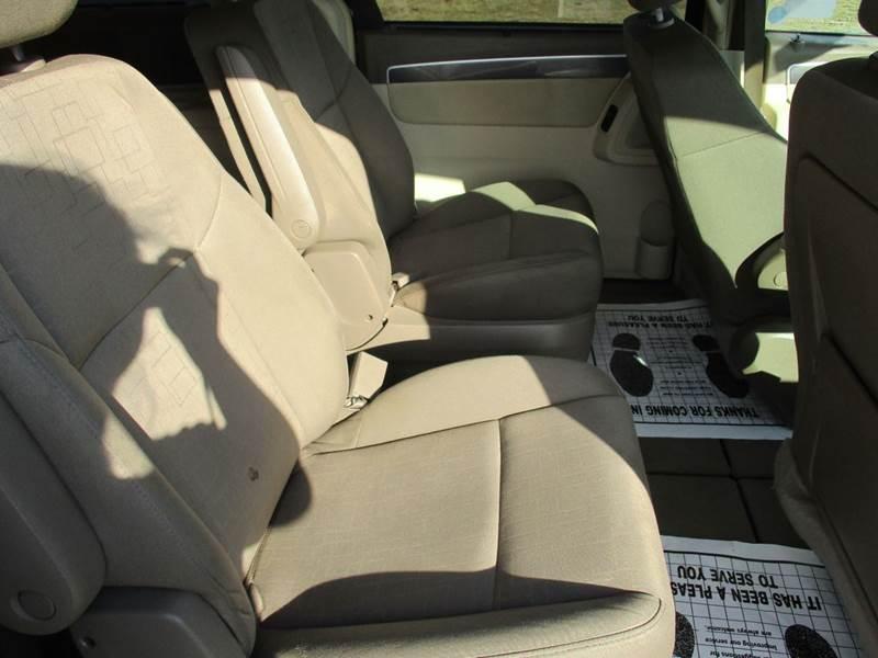 2009 Volkswagen Routan SE 4dr Mini Van - Mt Olive NC
