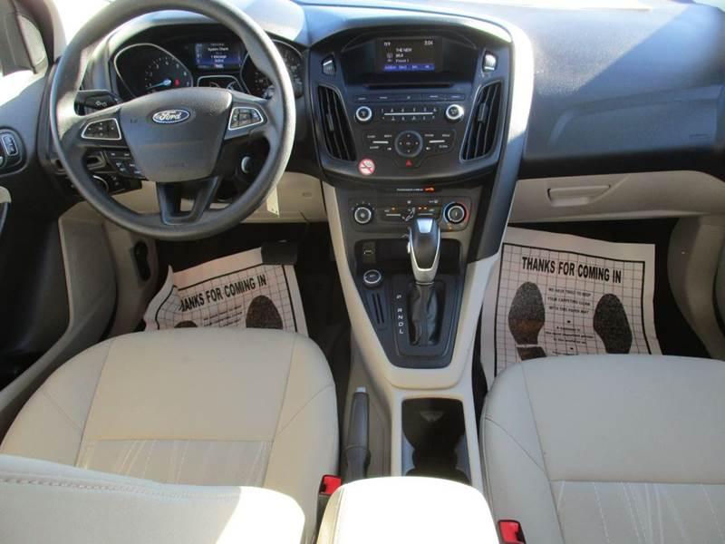 2015 Ford Focus SE 4dr Sedan - Mt Olive NC