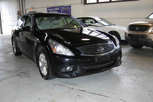 Black Year 2011 Make Infiniti Model G37x Miles 55206
