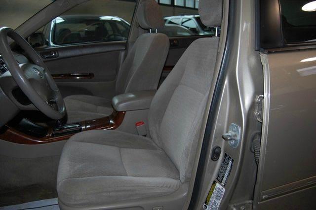 2004 Toyota Camry XLE 4dr Sedan - Farmingdale NY