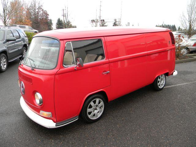 1972 Volkswagen Transporter II Bus Lowered - Vancouver WA