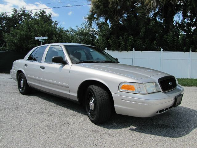 2005 ford crown victoria police interceptor in largo clearwater largo classic automobile co inc. Black Bedroom Furniture Sets. Home Design Ideas