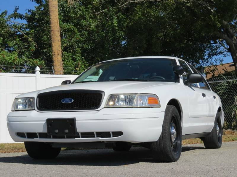2007 Ford Crown Victoria Police Interceptor 4dr Sedan (3.27 axle) w/Driver and Passenger Side Air Bags - Largo FL