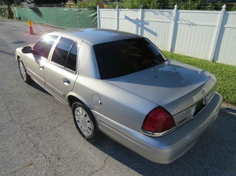2009 Ford Crown Victoria Police Interceptor 4dr Sedan (3.27 Axle) - Largo FL