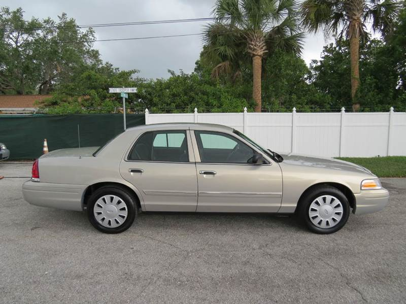 2009 Ford Crown Victoria Police Interceptor w/Street Appearance Package 4dr Sedan (3.27 Axle) - Largo FL
