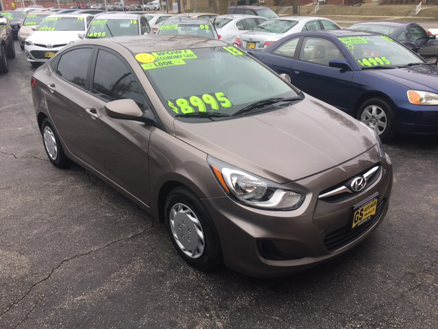 2013 hyundai accent gls 4dr sedan in milwaukee wi gs auto sales inc. Black Bedroom Furniture Sets. Home Design Ideas