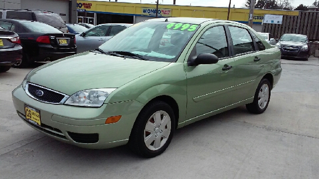 2007 ford focus zx4 se 4dr sedan in milwaukee wi gs auto. Black Bedroom Furniture Sets. Home Design Ideas