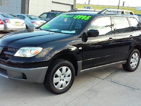 2005 Mitsubishi Outlander for sale in Milwaukee, WI