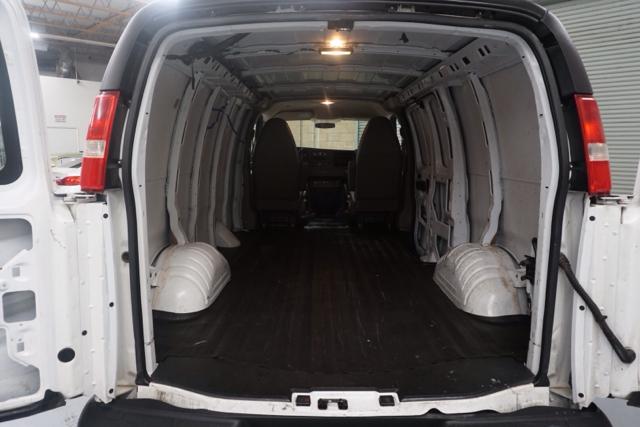 2014 chevrolet express cargo 1500 3dr cargo van in fresno ca executive auto center. Black Bedroom Furniture Sets. Home Design Ideas