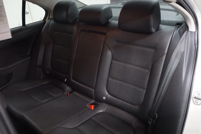 2011 Volkswagen Jetta SE PZEV 4dr Sedan 6A - Fresno CA