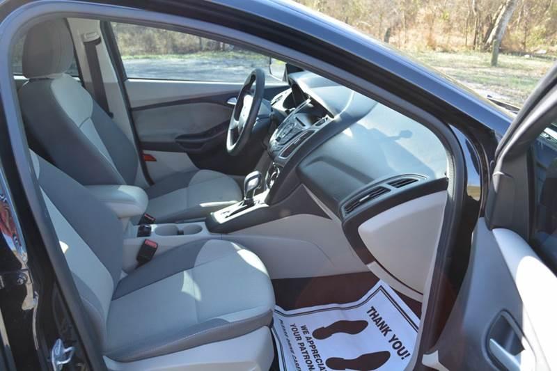 2013 Ford Focus SE 4dr Sedan - Alice TX