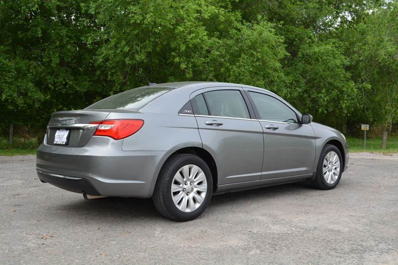 2011 Chrysler 200 LX 4dr Sedan - Alice TX