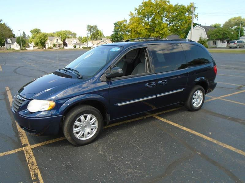 2006 chrysler town and country touring 4dr extended mini van in traverse city mi jack 39 s auto. Black Bedroom Furniture Sets. Home Design Ideas