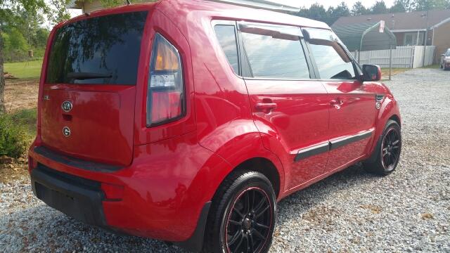 2011 Kia Soul + 4dr Wagon 4A - Athens GA