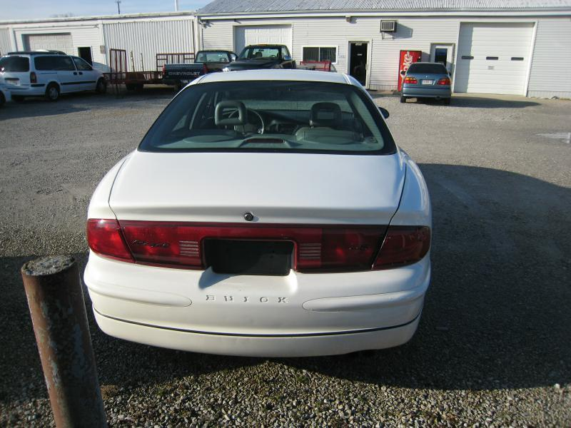2004 Buick Regal LS 4dr Sedan - Frankfort IN