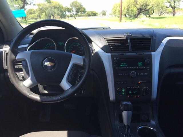 2009 Chevrolet Traverse LT 4dr SUV w/1LT - San Antonio TX