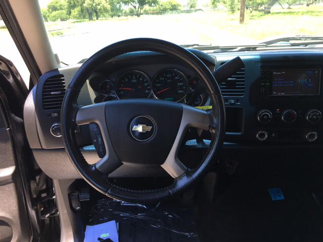 2009 Chevrolet Silverado 1500 LT 4x2 4dr Crew Cab 5.8 ft. SB - San Antonio TX