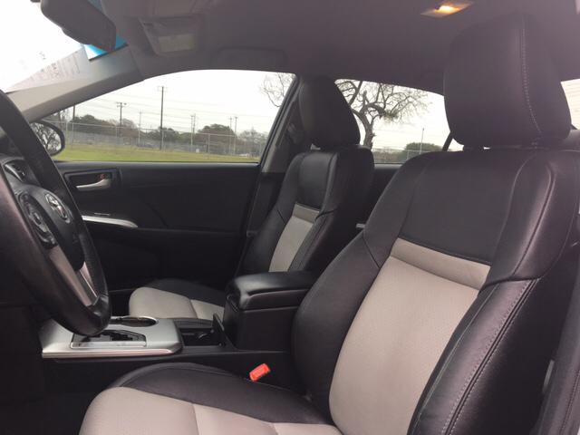 2013 Toyota Camry SE 4dr Sedan - San Antonio TX