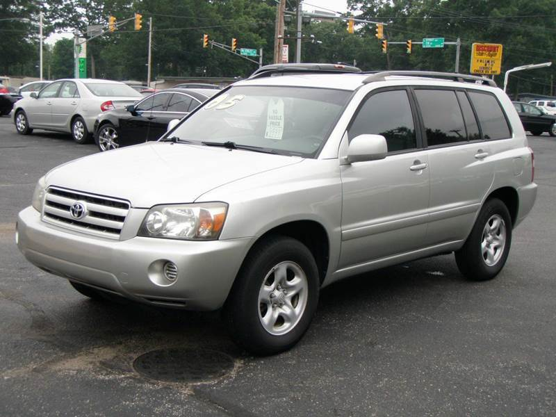 2005 toyota highlander base awd 4dr suv w 3rd row in mishawaka in autoworks. Black Bedroom Furniture Sets. Home Design Ideas