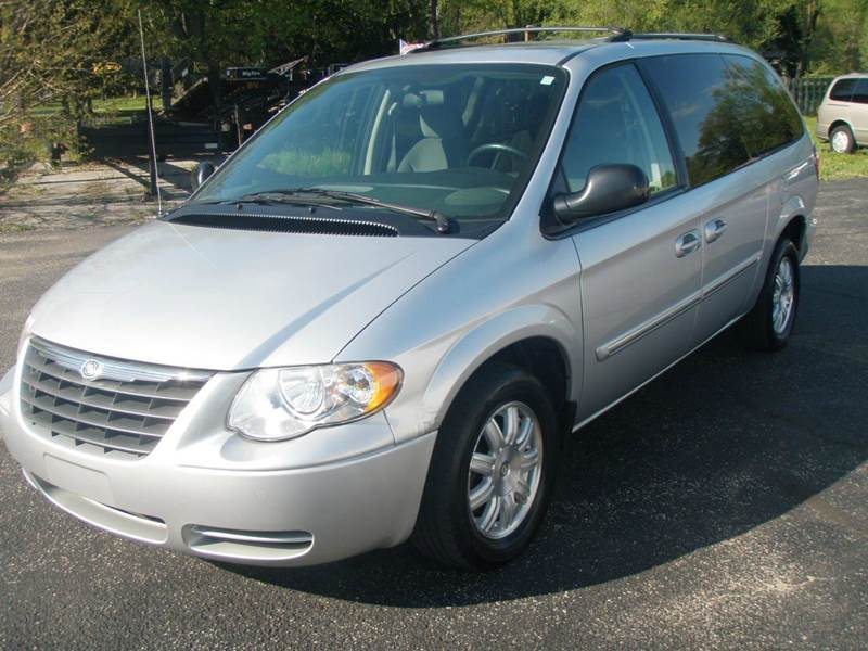 2006 chrysler town and country touring 4dr extended mini van in mishawaka in autoworks. Black Bedroom Furniture Sets. Home Design Ideas