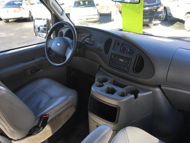 2005 Ford E-Series Cargo E-150 3dr Cargo Van - Grants Pass OR