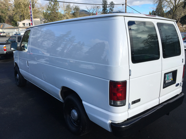 2005 Ford E-Series Cargo E-150 3dr Cargo Van - Grants Pass OR
