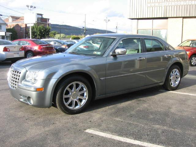 2006 Chrysler 300 for sale in Wyoming PA