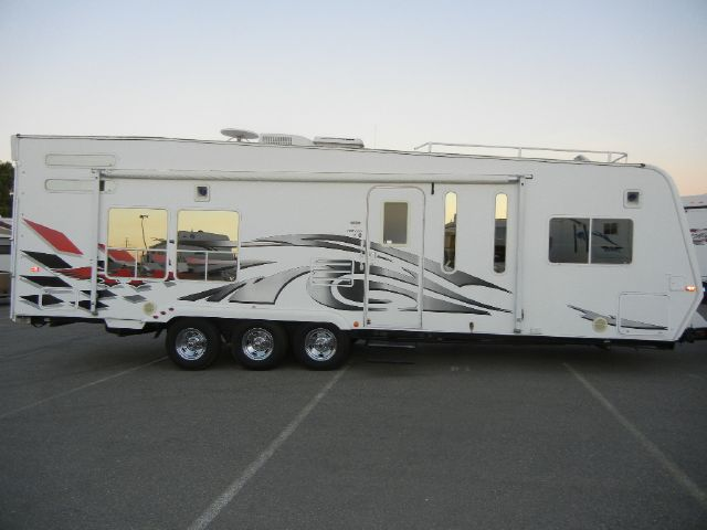 2007 Weekend Warrior 28' Billet Toy Hauler