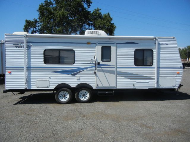 2005 Fleetwood Terry 25' Lightweight Travel Trailer