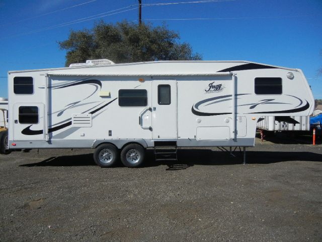 2007 Thor Jazz 28' Fifth Wheel BunkHouse